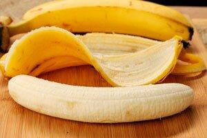 фото банана и его кожуры